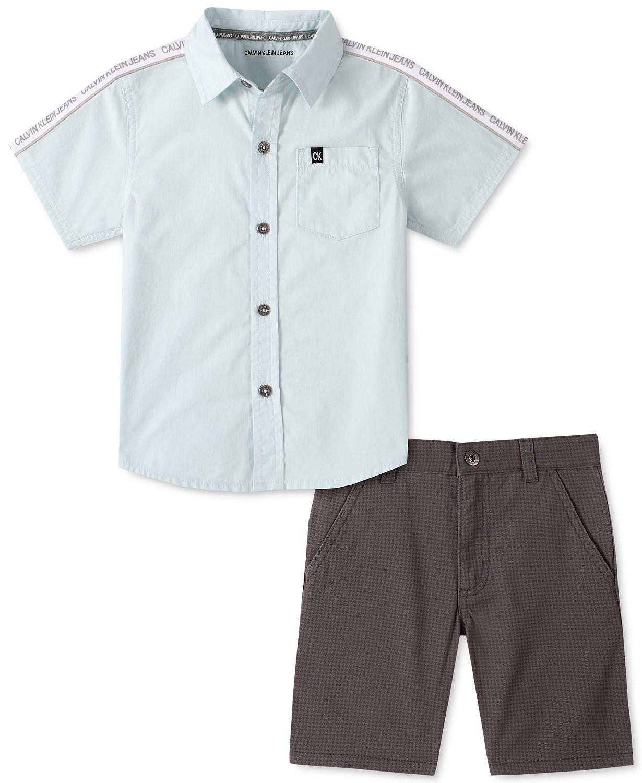 小男孩LOGO胶带府绸衬衫和猎犬斜纹短裤